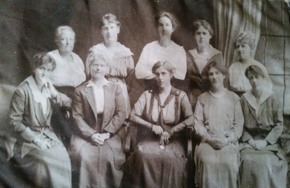 The Sisterhood of International Peace Committee, 1915